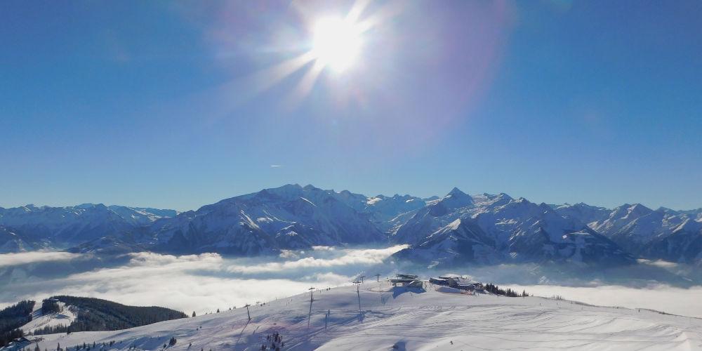 Ski resort de Zell am See y el glaciar de Kitzsteinhorn al fondo