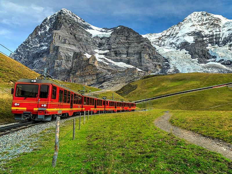 Suiza. Línea Férrea