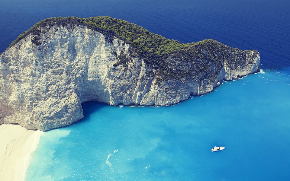 Trips for two. Private cruise through the Cyclades Islands