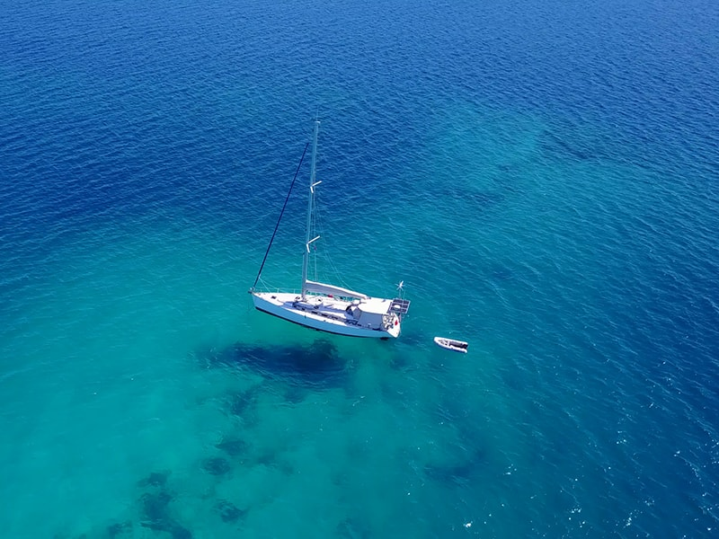 Beaches of Asia. Cruise around the Maldives seas in a private yacht