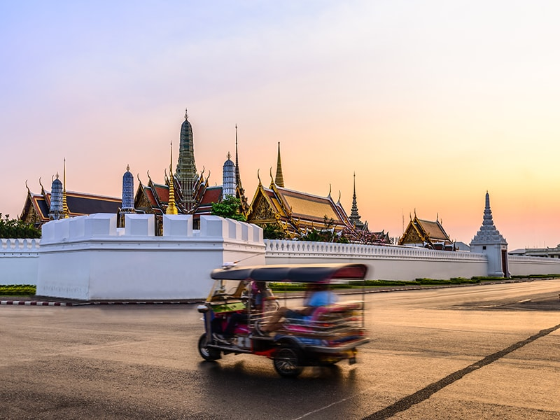 Thailand. Get to know the city of Bangkok by train