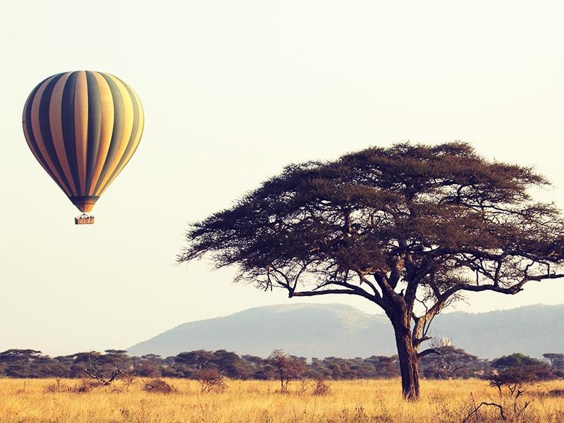 Tanzania. Ballooning