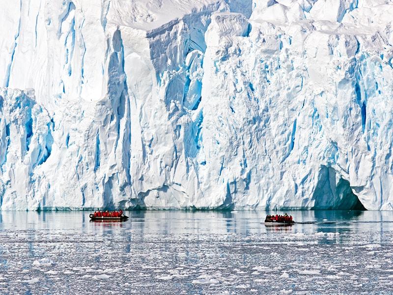Antartic. Sailing the South Shetland