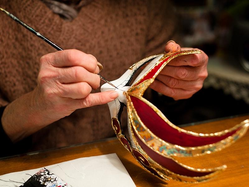 Italia. Descubrir los secretos de una góndola veneciana