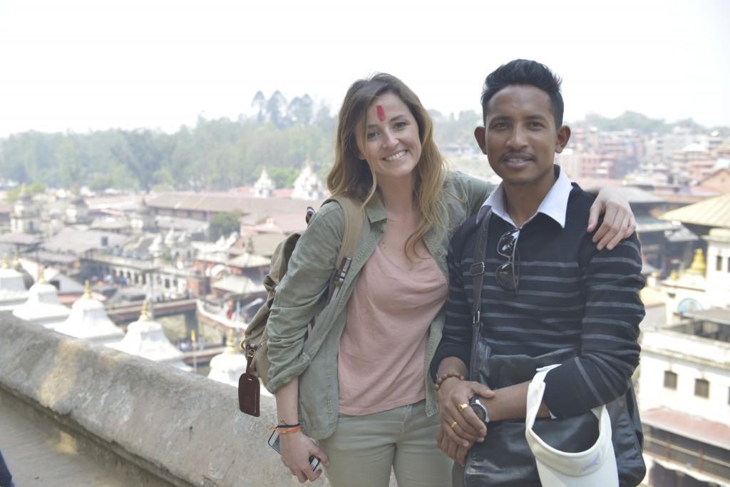 con mi amigo Rabinm Thuladar , nuestro guía durante todo el viaje en Pashupatinath