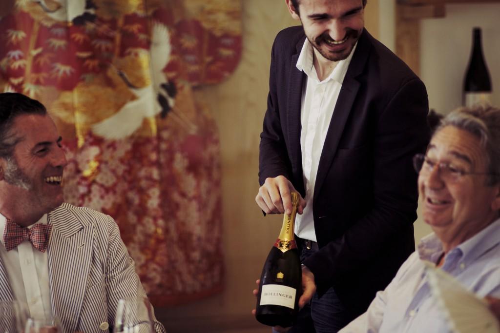 El servicio más exclusivo y los mejores sumilleres para disfrutar de la mejor selección de vinos y champagne