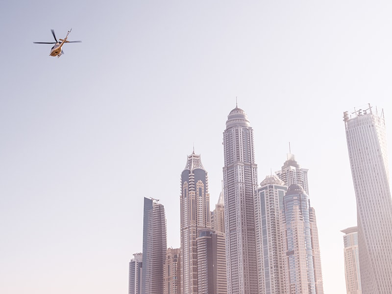 Dubai / Abu Dhabi. Go on a helicopter flight