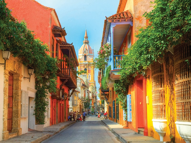 Colombia. Discover Bogotá from a different perspective and understand the complexity of its history