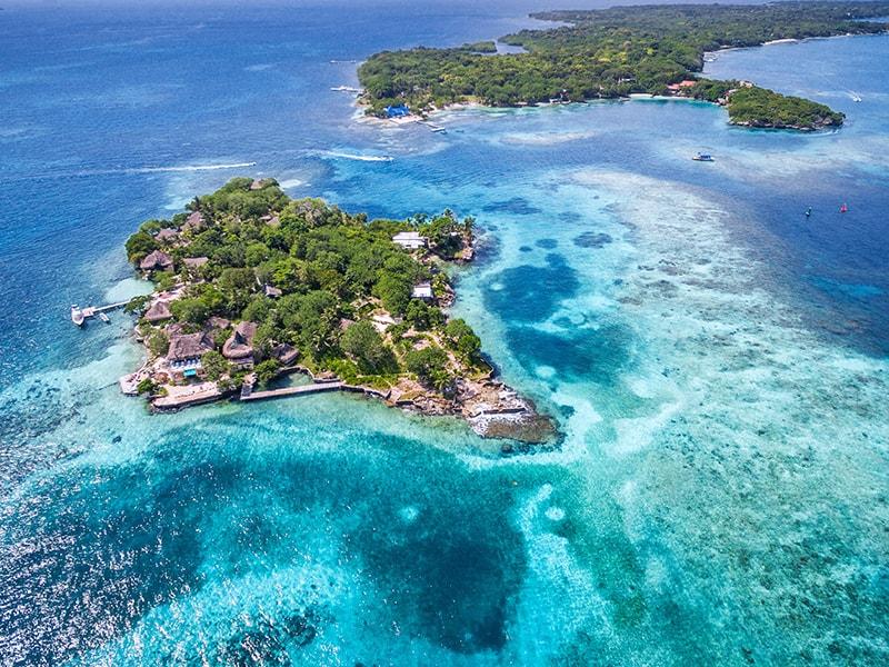 Colombia. Explore the Rosario Islands