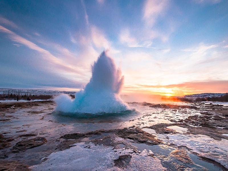 Islandia. Agua caliente de Geyser
